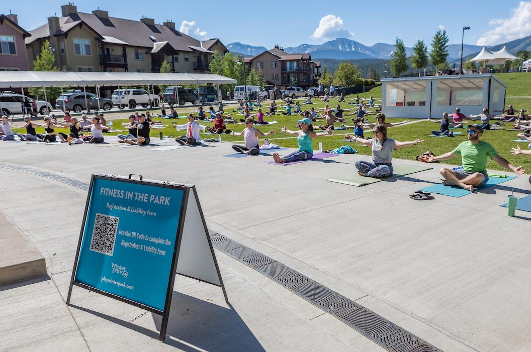 Yoga, Fitness in the Park
