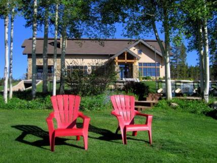 Come relax Bistro 28 @ Pole Creek Golf Club