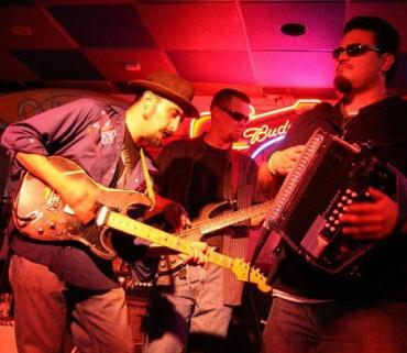 Felix y Los Gatos Winter Park, CO Feb 13 208 at Smokin Moe's Grand County Blues Society.JPG