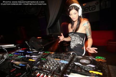 DJ MLE at Sushi Nama