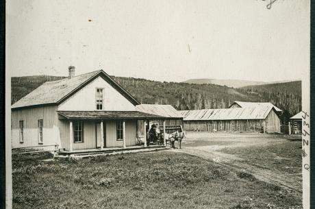 Historical image of Cozen's Museum courtesy of Grand County Historical Association
