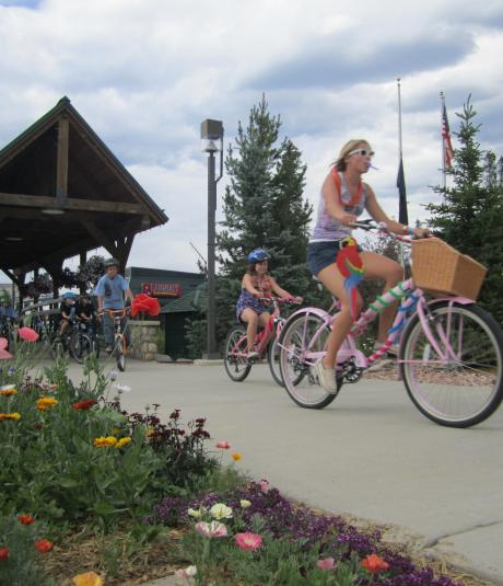Cruiser Bike Party in Winter Park in the Spring