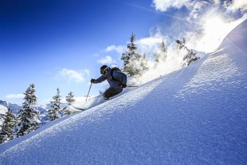 high res piste skier rossignol.jpg