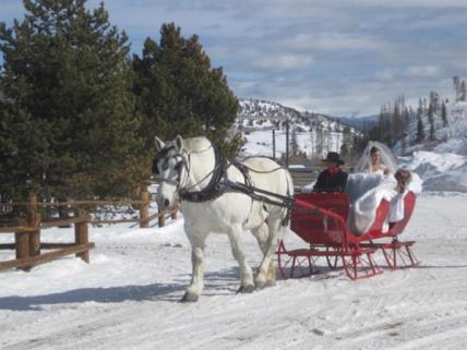 Arrive at your winter wedding in style