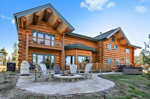 Pole Creek Luxury Log Home