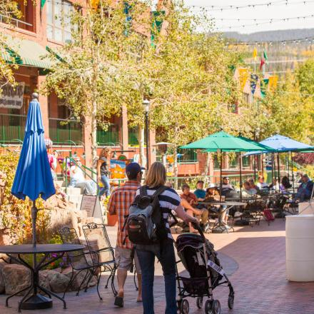 Shoping and Dining at Cooper Creek Square